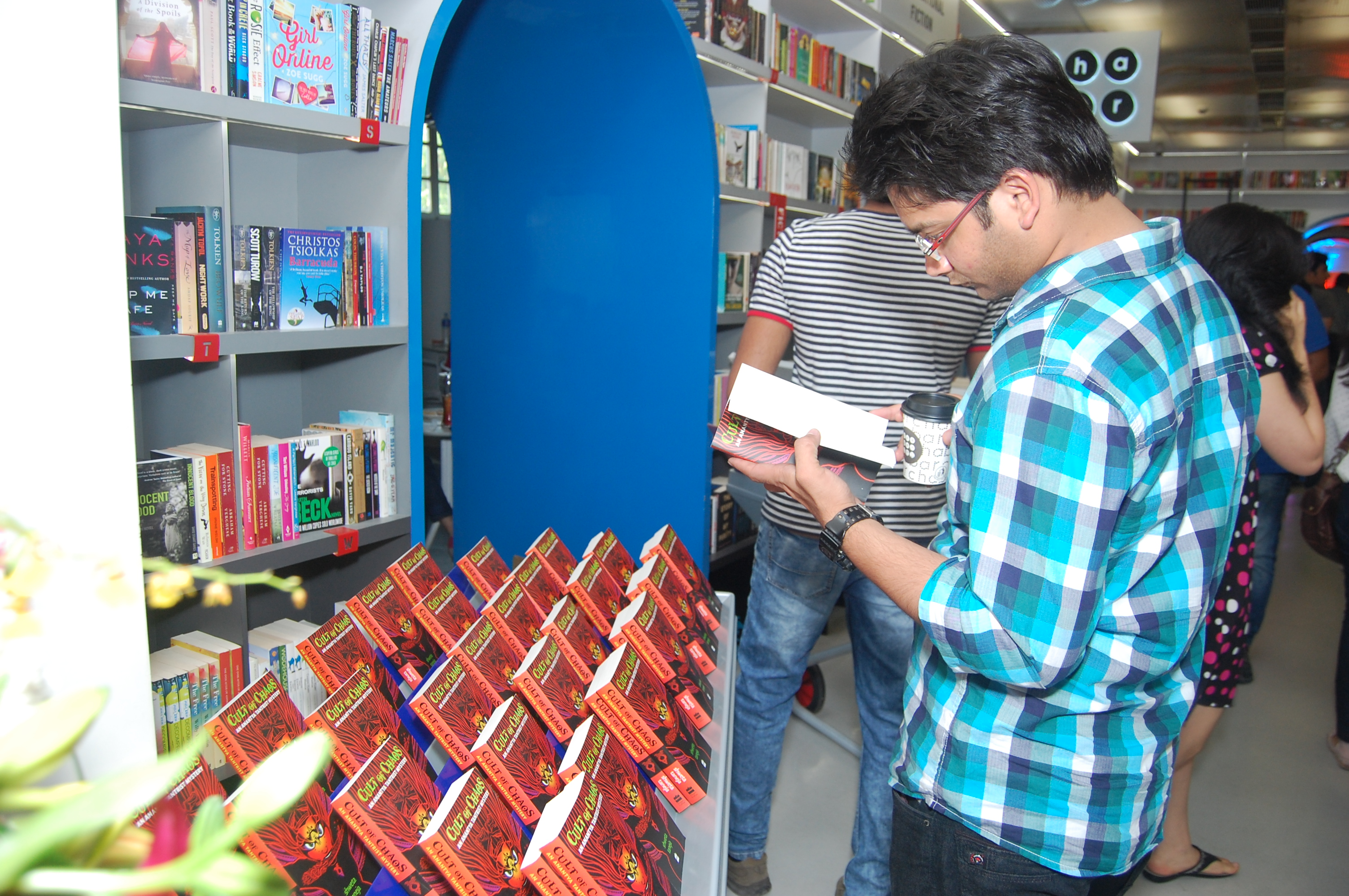 A stranger browsing the book. Isn't that nice!